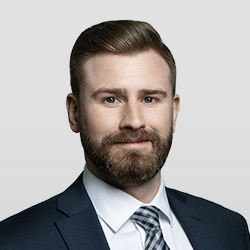 Scott Ashbourne is a student at Alexander Holburn, a Vancouver law firm